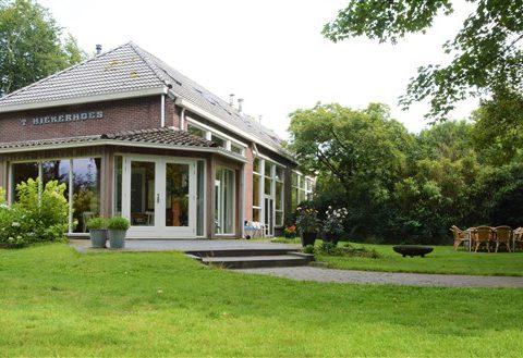 Groepshuis voor 18 personen aan rand van natuurgebied in hartje Drenthe.