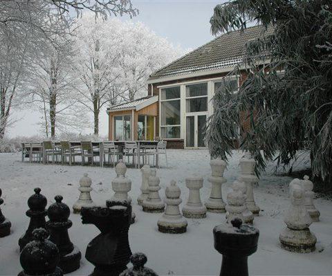 Groot vakantiehuis voor een weekendje weg in de winter in Drenthe.